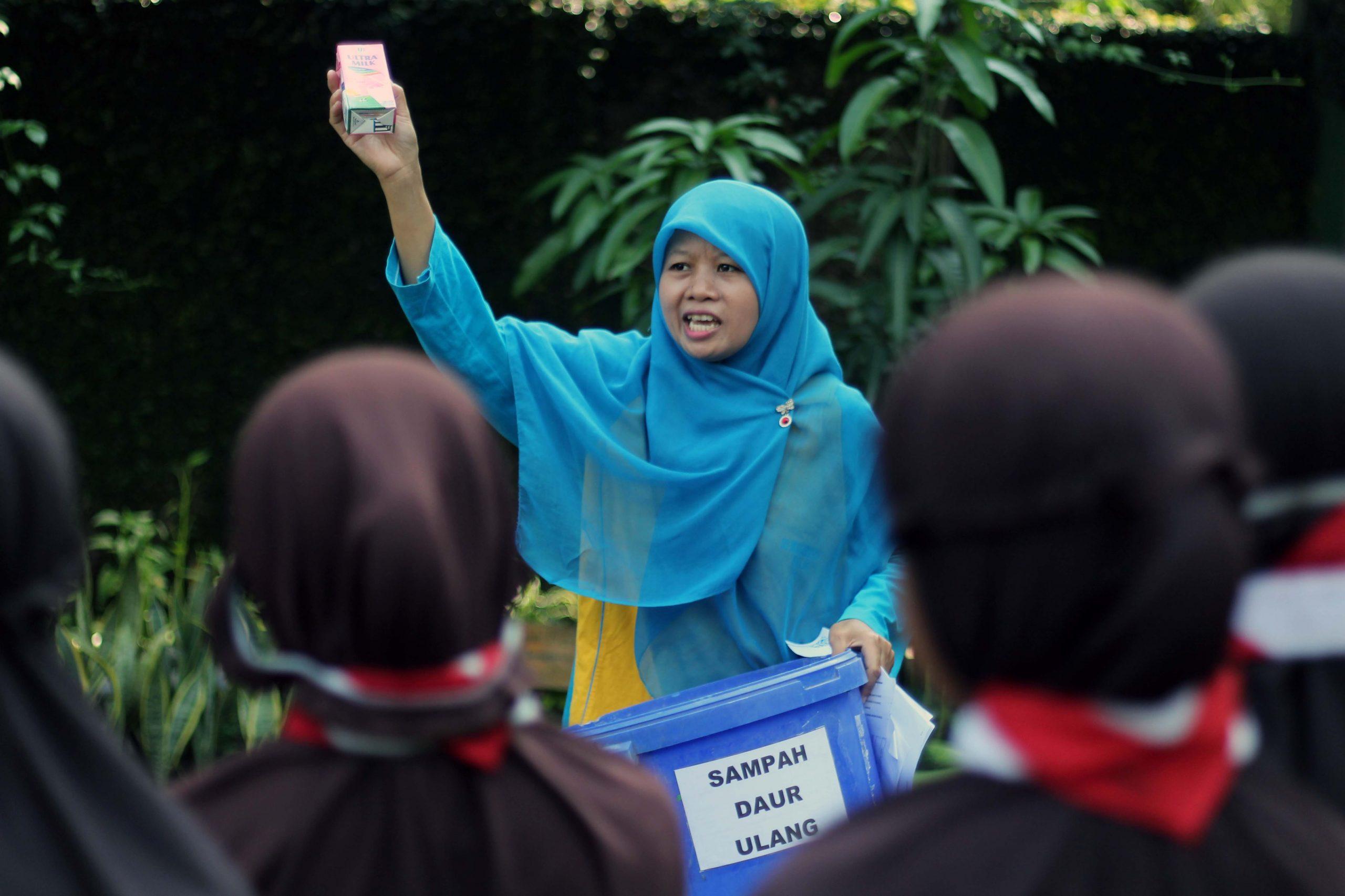 Dzul Qarnain, SD Muhammadiyah 4-Pemilahan Sampah